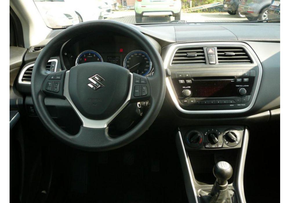 Suzuki SX4 S-Cross 1.6 i